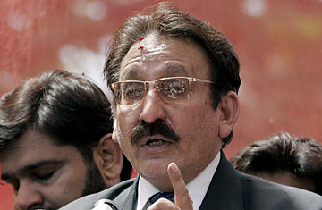 Chief Justice of Pakistan, Ch. Iftikhar Ahmad, with all due honor, you should not get your seat back.